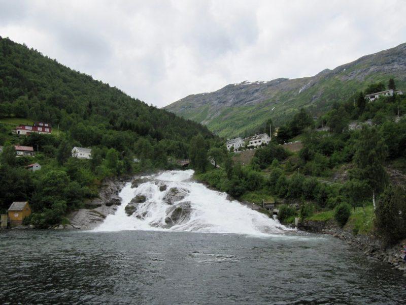 cascada en Hellesylt