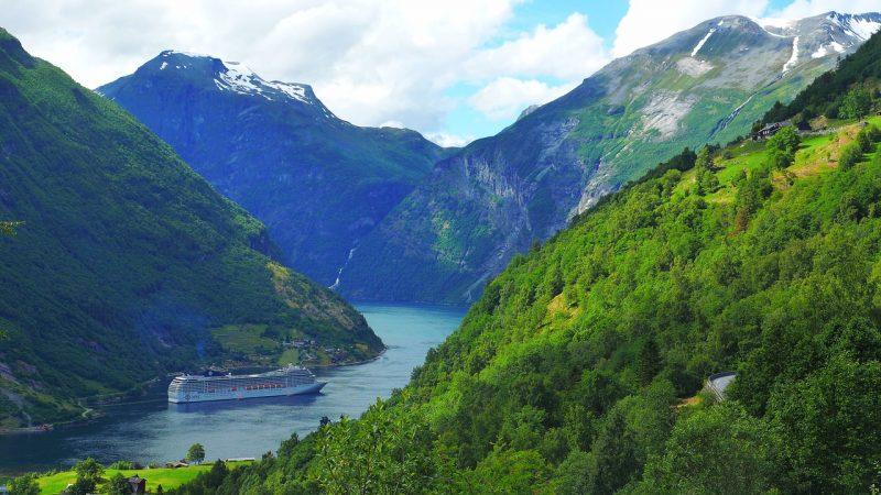 crucero fiordos noruega geiranger