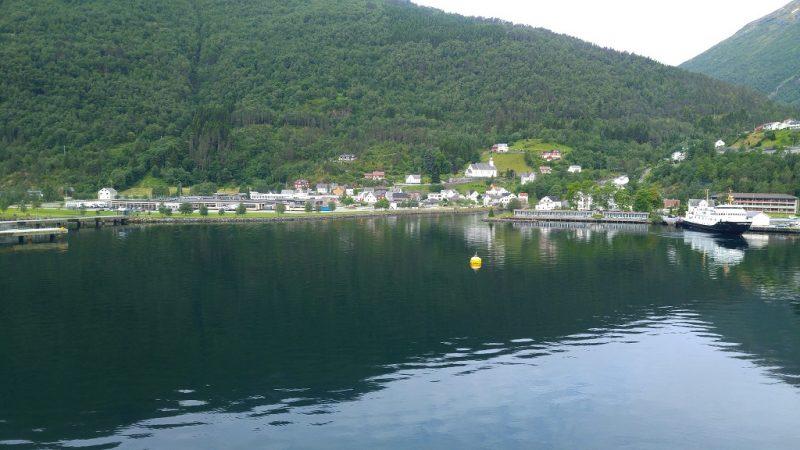 crucero fiordos noruega hellesylt