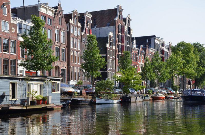 planes gratuitos en amsterdam