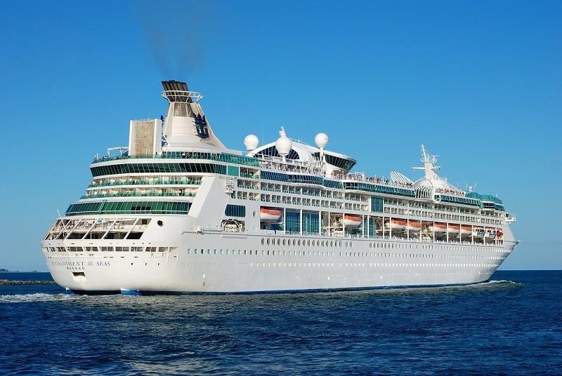 por que flotan los barcos de cruceros