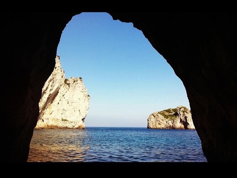 Grutas Marinas y Cuevas