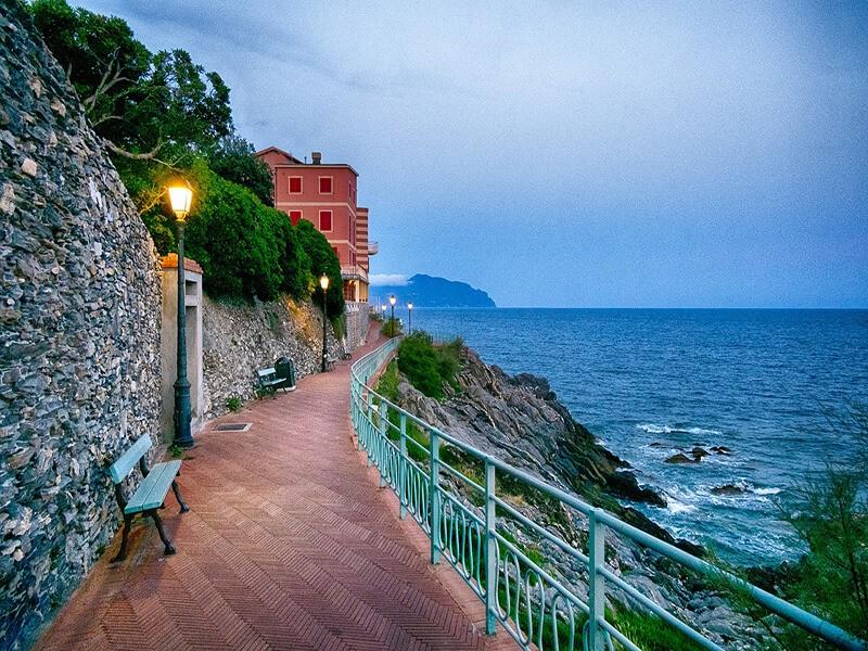 Paseo junto al mar, Genova