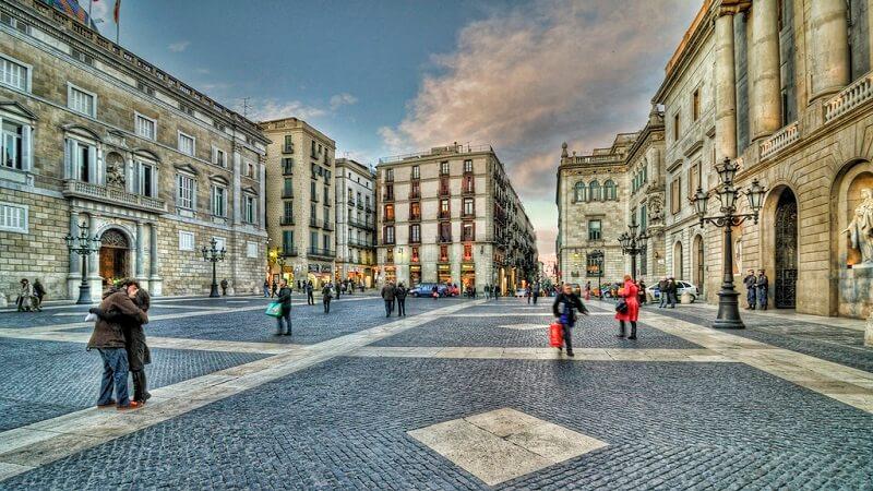 Plaza de Sant Jaume excursiones barcelona crucero